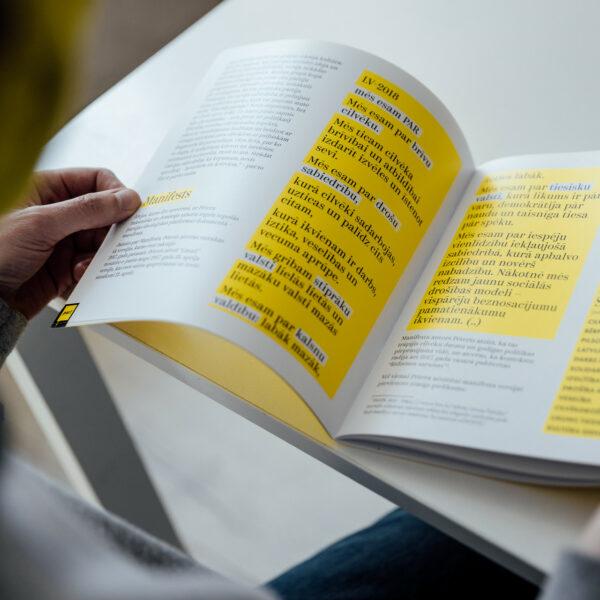 """Grāmata par Kustību """"Par!"""" - informatīvi un izglītojoši PAR"""