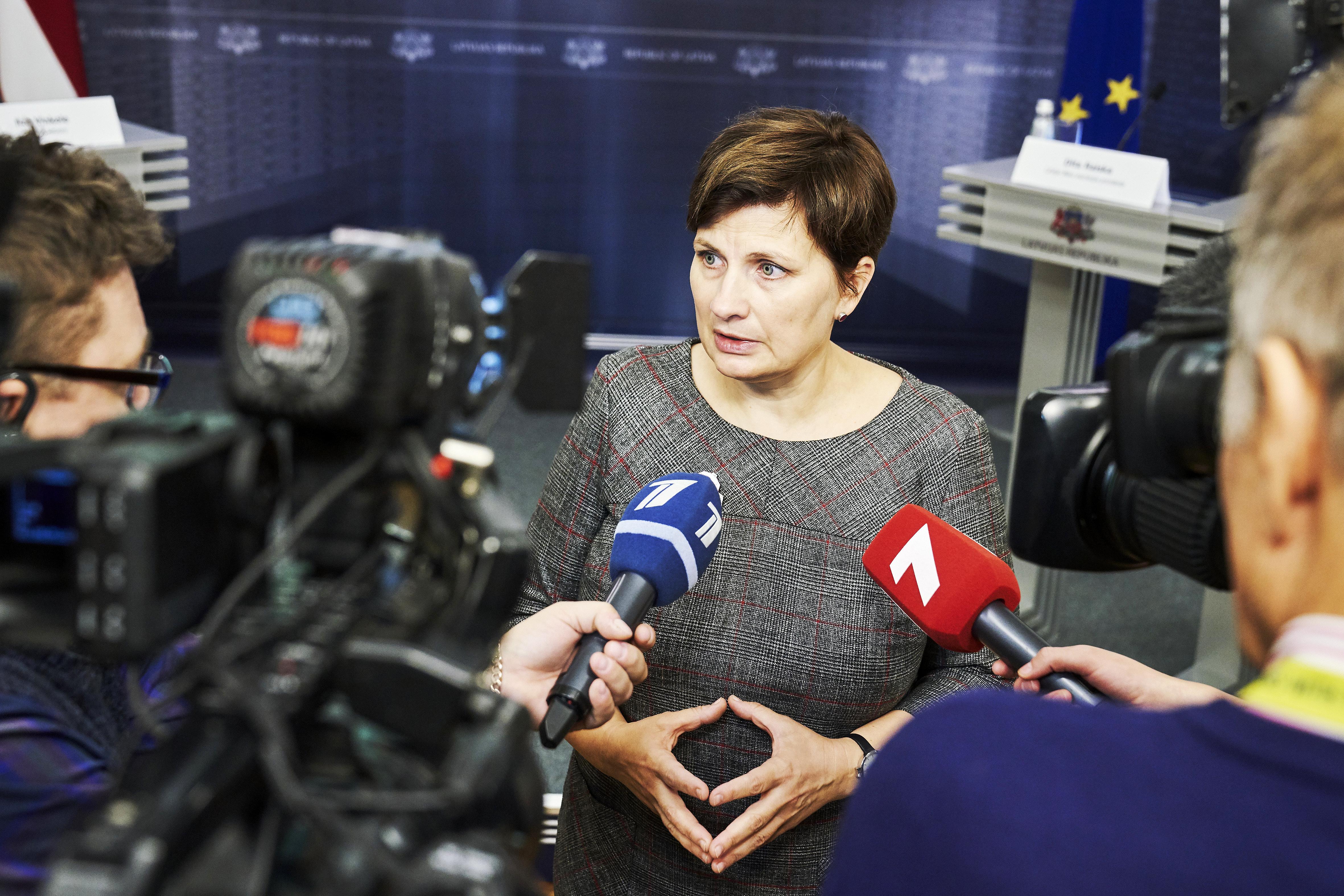 Veselības ministrija rosina zāļu lieltirgotavām obligāti uzrādīt zāļu krājumus