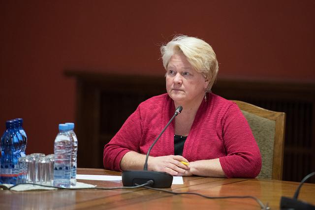 """AP! Saeimas deputāti: Krīzē jādomā arī par tiem, kas atrodas tuvu """"frontes līnijai"""" – medijiem un NVO"""