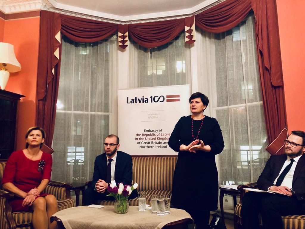Viņķele rosinās regulēt Lielbritānijā iegūtas izglītības atzīšanu Latvijā arī pēc breksita