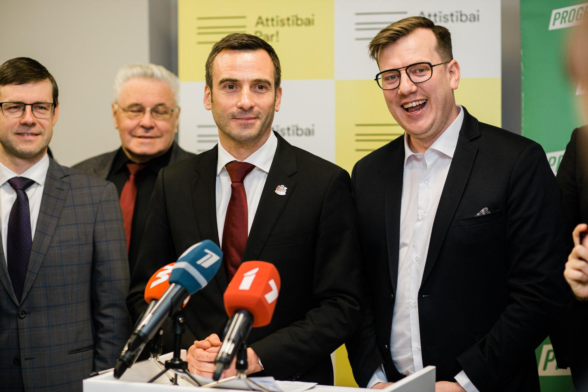 """""""Attīstībai/Par!"""" un """"PROGRESĪVIE"""" Rīgas domes vēlēšanās startēs kopā"""