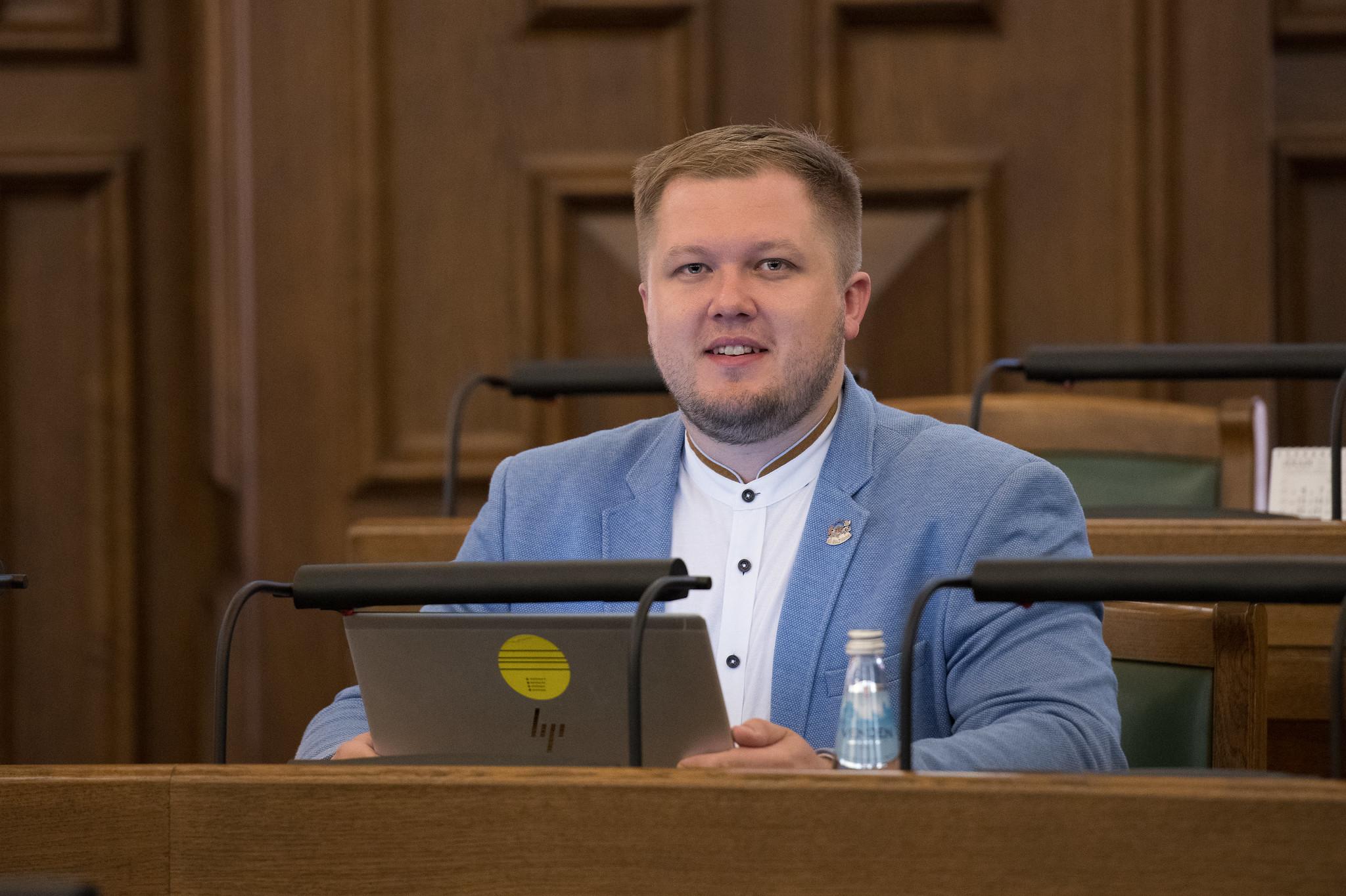 Mārtiņš Šteins: Lielāki nodokļu atvieglojumi tiem, kuri ārstniecības izdevumu segšanai saņem ziedotāju atbalstu