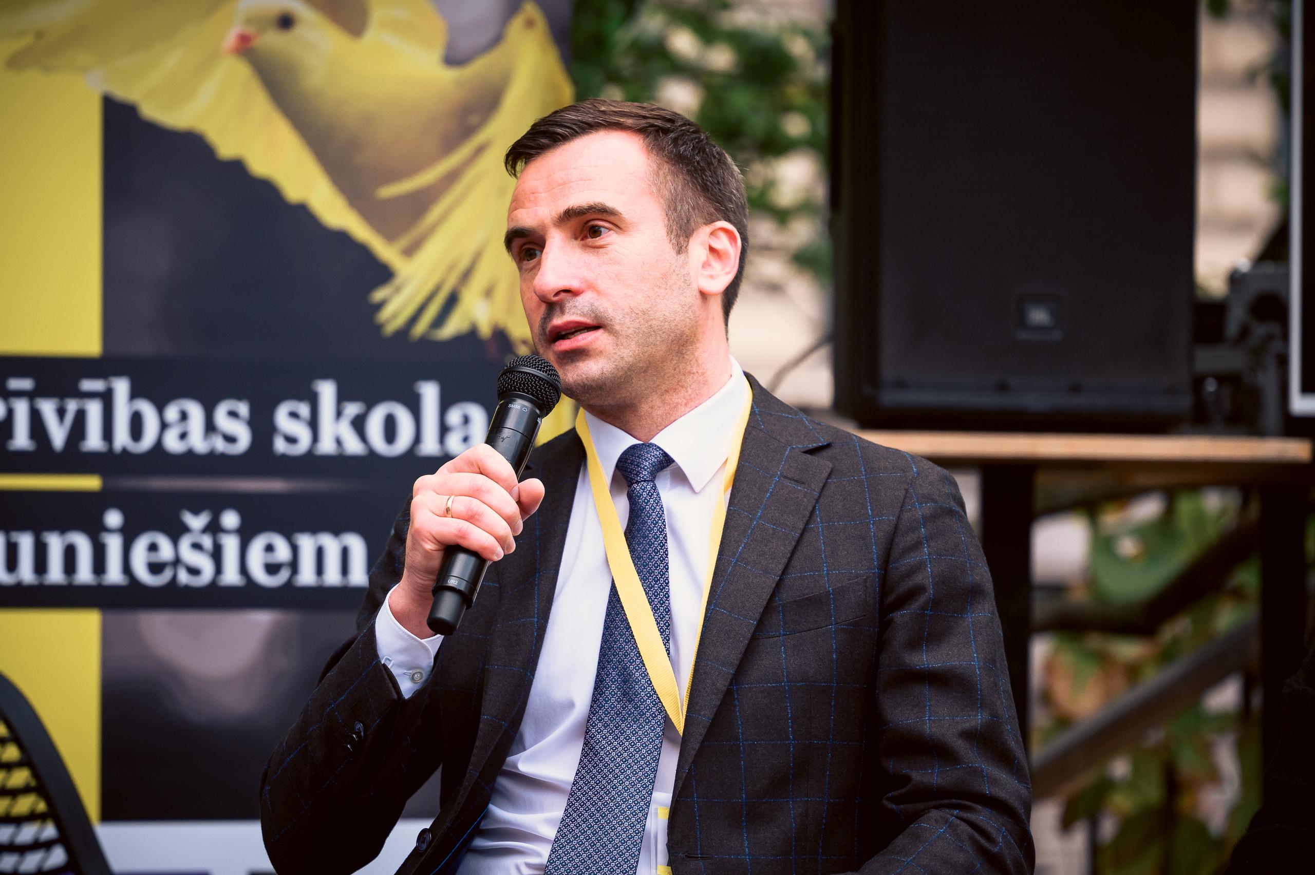 Rīgas mērs un pašvaldības pārstāvji tiksies ar apkaimju iedzīvotājiem